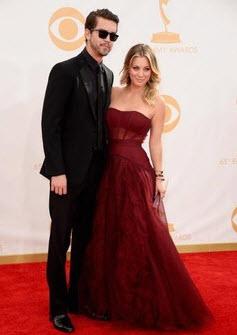 Kaley Cuoco Emmys 2013 2
